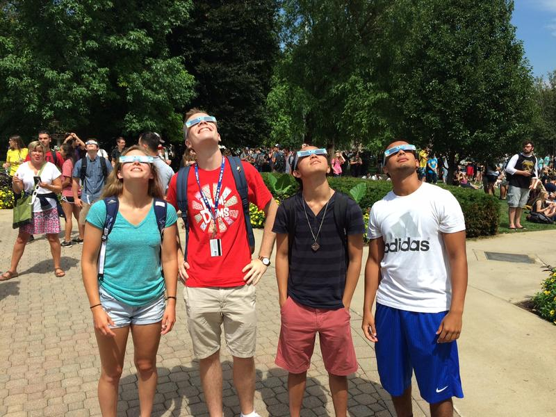 Jessica Vandiver (far left) is among many freshmen who saw the eclipse on their first day of college.