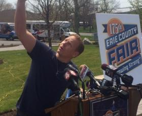 Daredevil Nik Wallenda will perform at this summer's Erie County Fair.