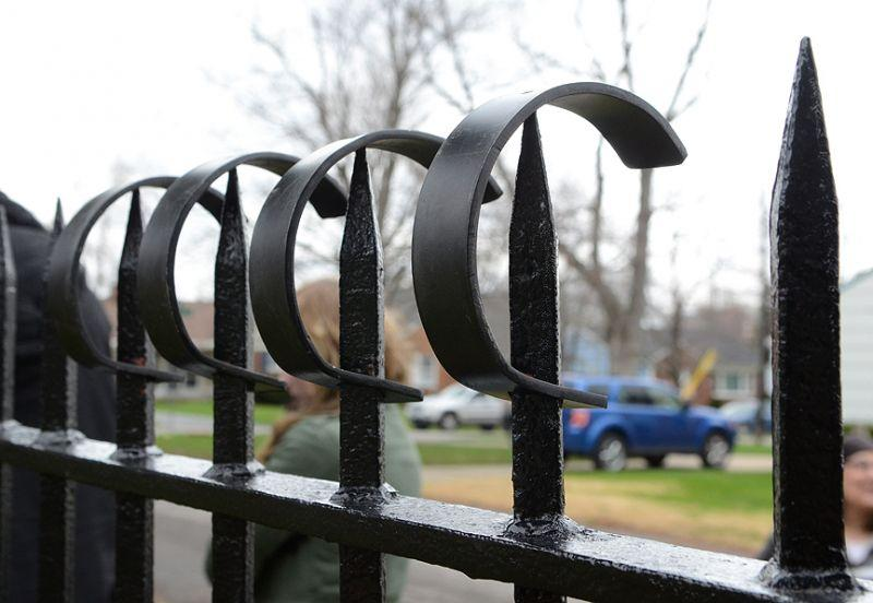 New deer shields for Williamsville Cemetery fence