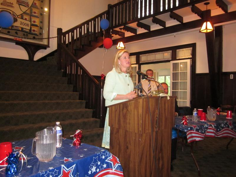 Republican candidate Wendy Long made her case for the Senate in Clarence Tuesday night.