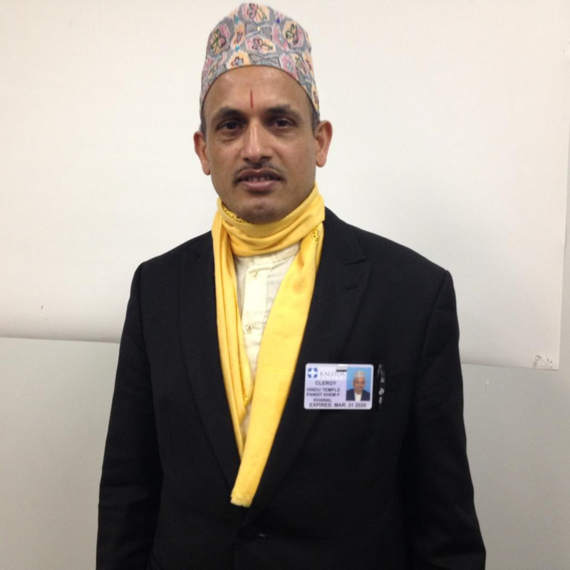 Hindu priest offers comfort to hospitalized immigrants ...
