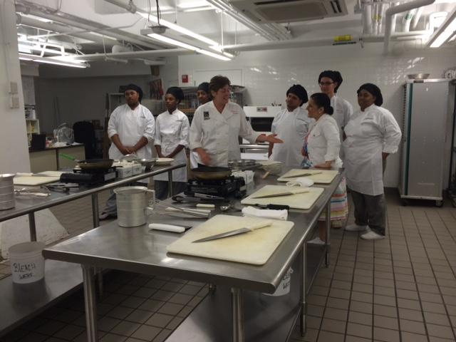 Emerson juniors & seniors compete in 'iron chef'