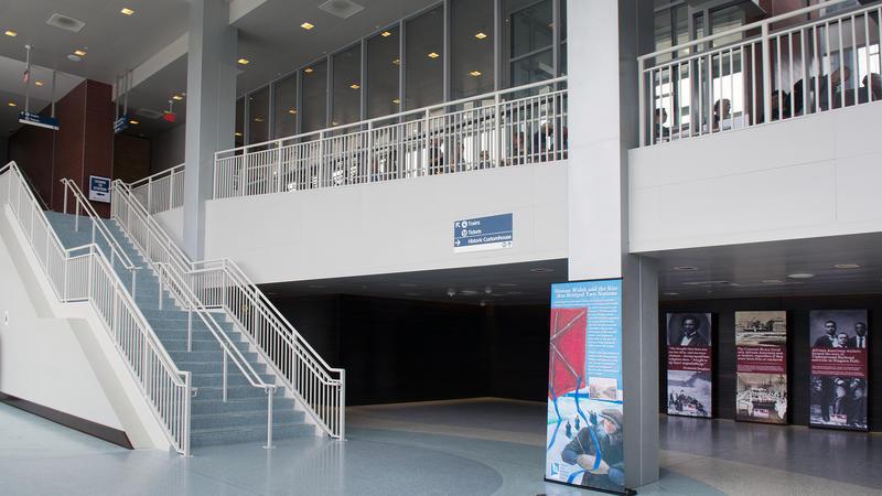 Entrance of the Niagara Falls Amtrak Station