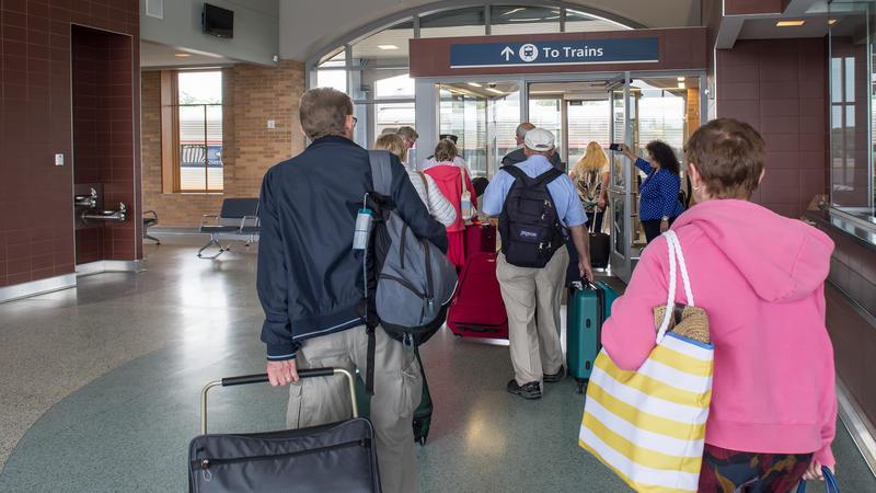 Passengers start boarding in Niagara Falls