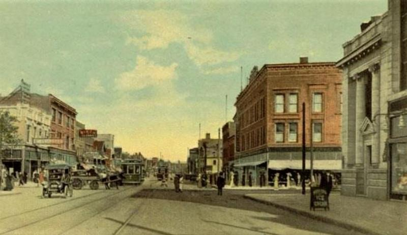 Early 20th-century Broadway, looking east toward Fillmore.