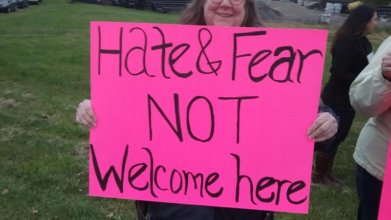 A small group of protesters greeted rally-goers.