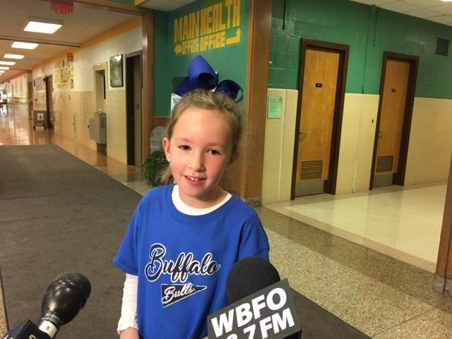 Third grader Alayna Anzalone was excited to see the team up-close.