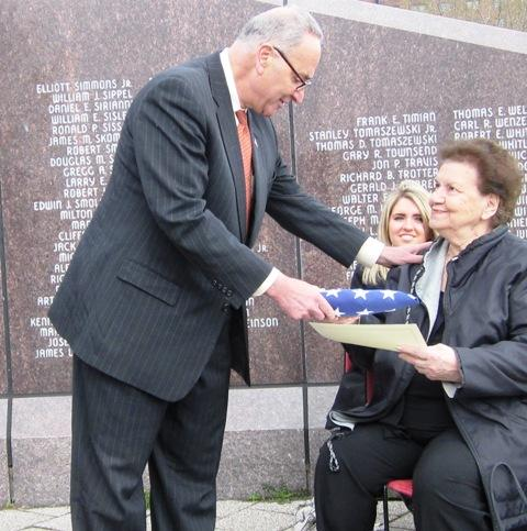 U.S. Senator Schumer hands Settimi family with honor