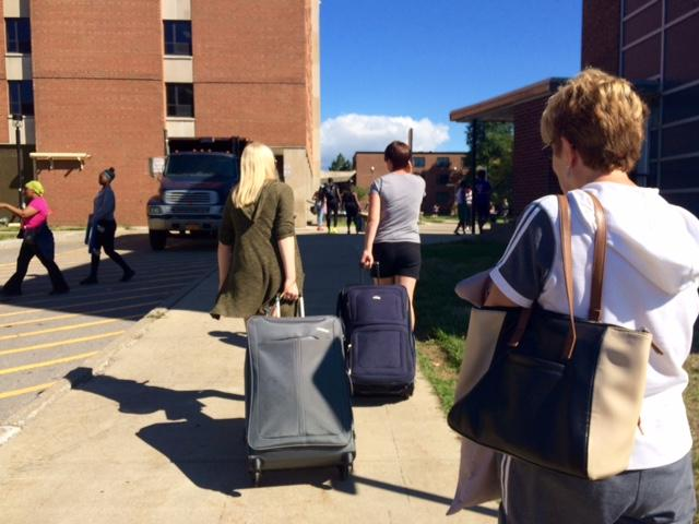 Maya Broniscwski Of Tonawanda With Her Mother And Grandmother Get Ready To  Move Into Her Dorm. Part 77