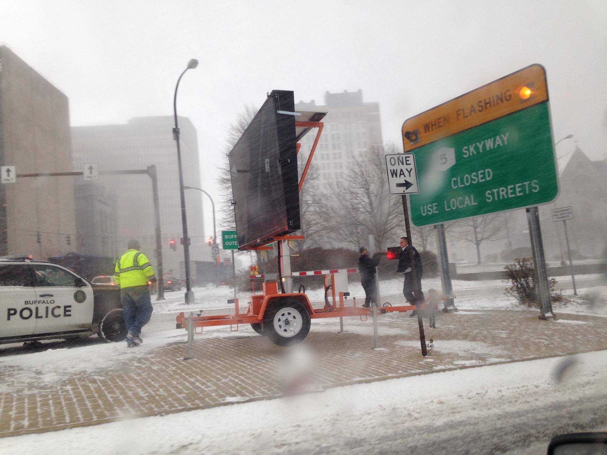 Lake-effect snow machine causes massive traffic woes | WBFO