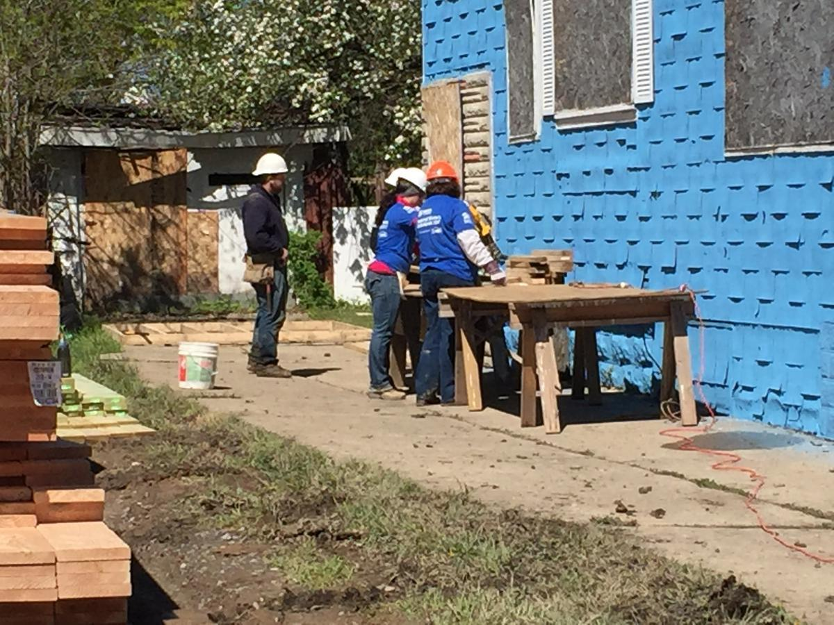 Habitat for Humanity volunteers help build home during National Women Build Week