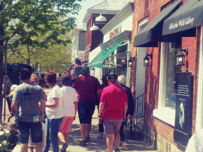 by ANGELICA A. MORRISON / Tourists visit shops at Niagara On the Lake