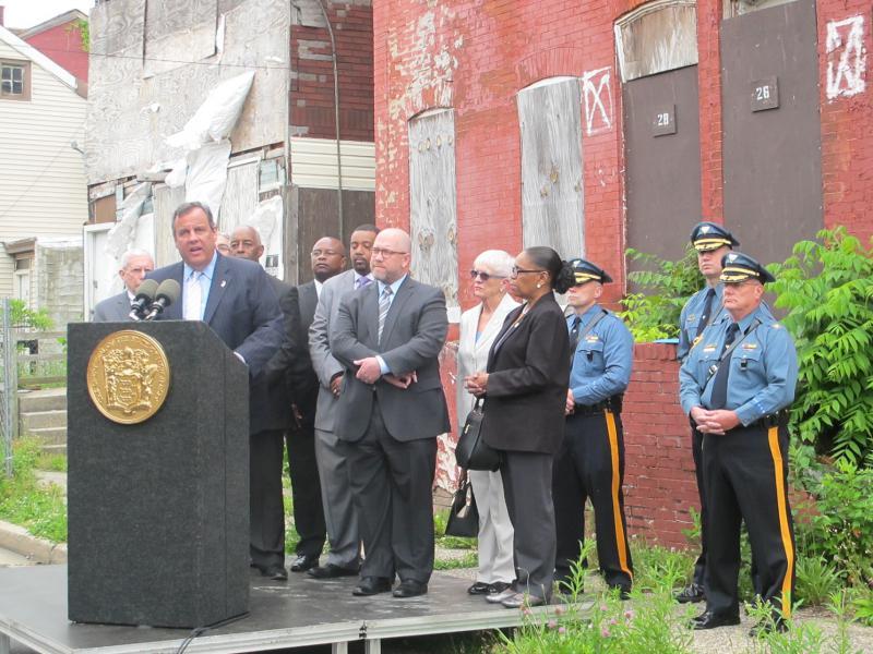 Christie unveils his plan on Fountain Avenue in Trenton