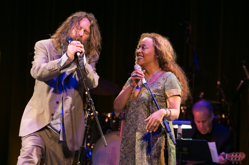 Liam O Maonlai and Cassandra Wilson in concert