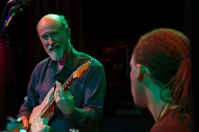 John Scofield performing with his Uberjam band