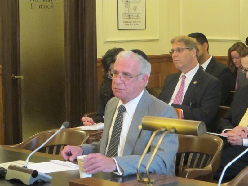 Assemblyman Gary Schaer testifies at legislative hearing.