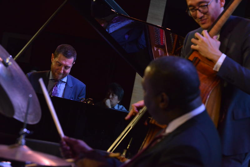 Benny Green, left, performing with David Wong and Kenny Washington at Dizzy's Club Coca-Cola