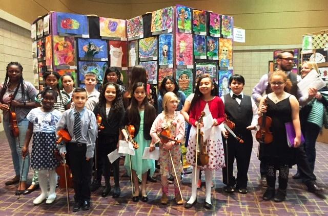 Fairfield Falcon Fiddle Club at last year's Fort Wayne Fame Festival
