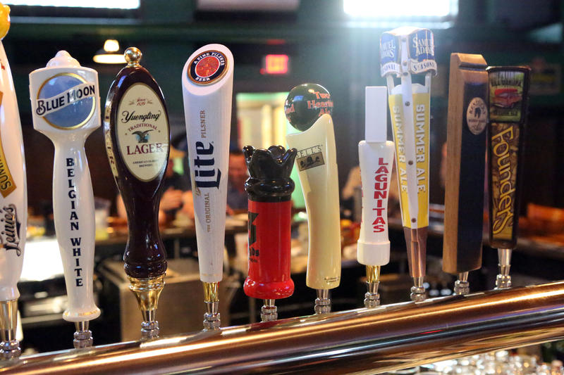 Besides a tasty pub food menu, 07 pub features 14 beers on tap, and a full three-way liquor license with carry-out.