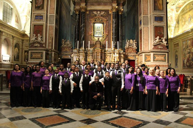 Choir gathered at the opening Ceremony of Musica Eterna a Roma at Basilica di S. Agostino, Rome, Italy.