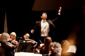 Jung Ho Pak conducts