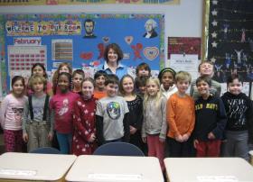 Teacher Jill Waxweiler and her third grade students.
