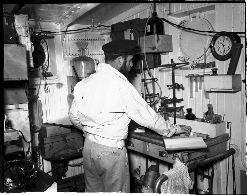 Bumpus in the lab aboard 	Atlantis