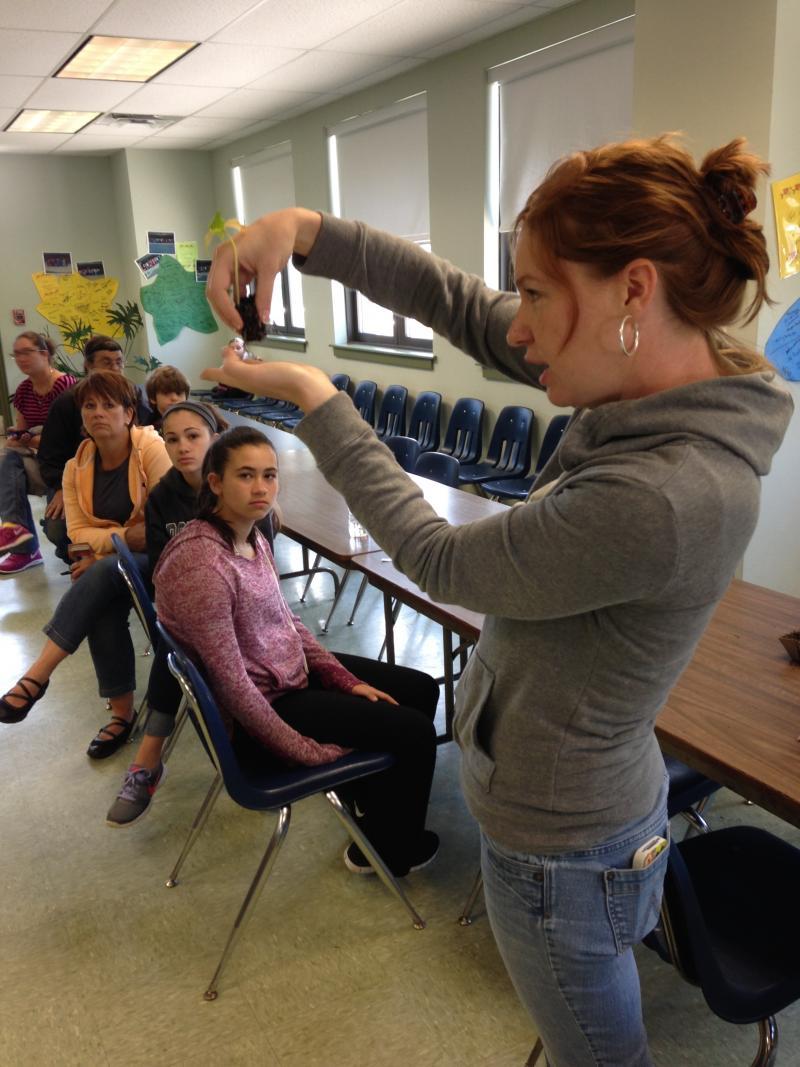 Zoe Hansen DiBello gives gardening tips