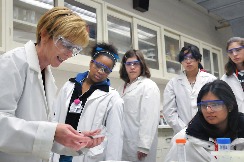 Students at a Science Careers event at Argonne National Laboratory.