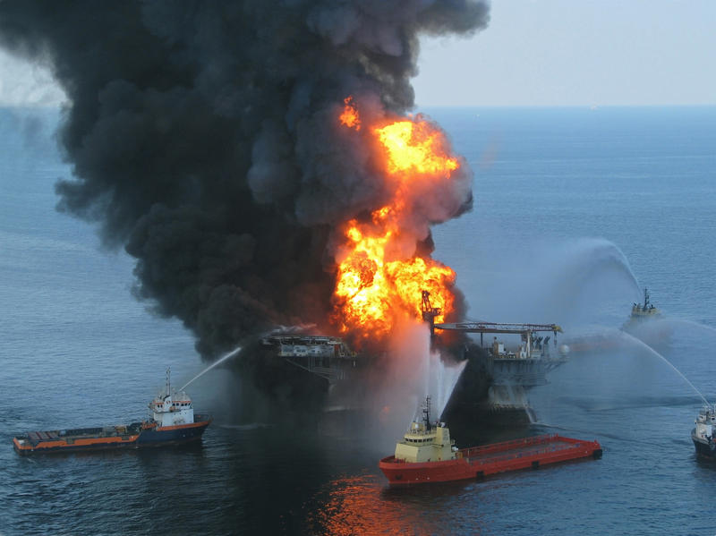 The Gulf Oil Spill highlighted the need for better working relationships between academic scientists, industry, and government.