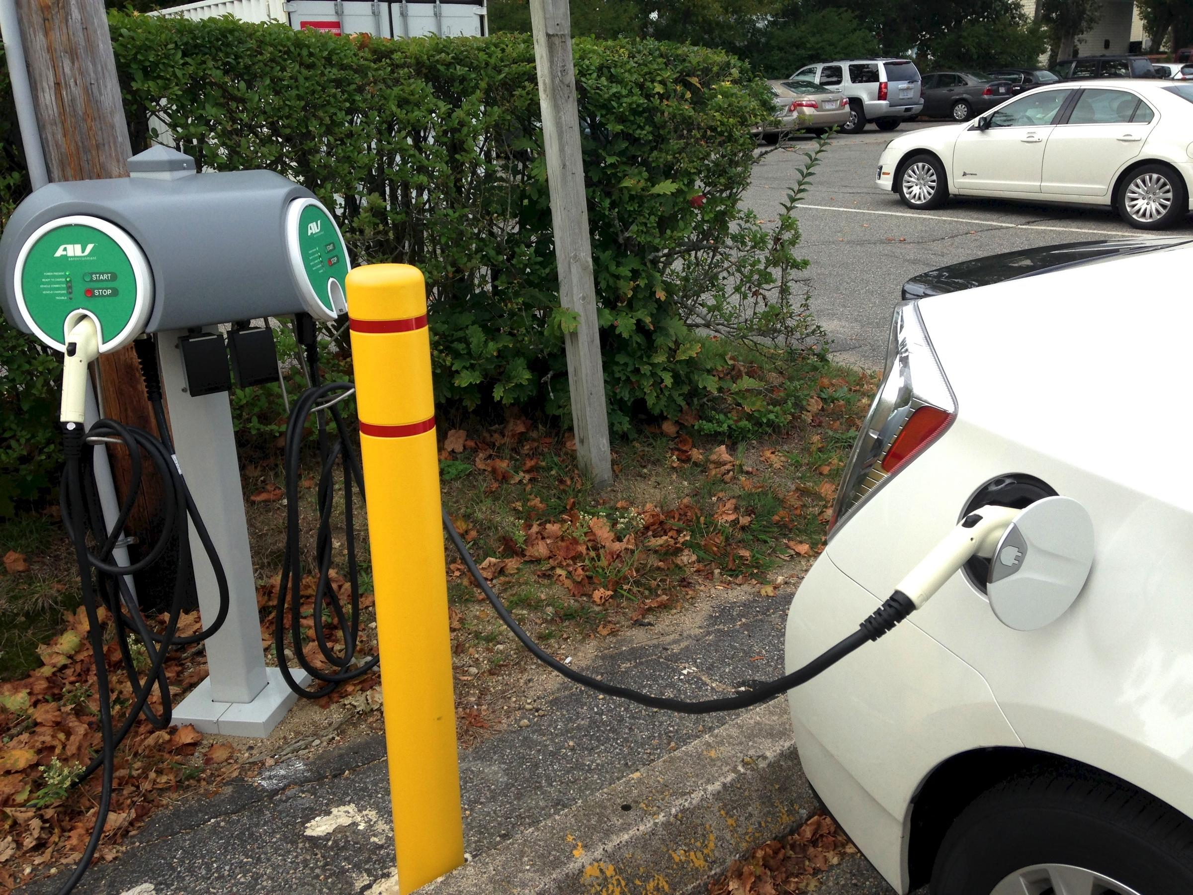 Electric Vehicle Charging Stations Still Sparse On Cape Islands And Comparison Between Cars Gasoline Ev Station In Barnstable