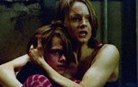 """Jodie Foster and Kristen Stewart in \""""Panic Room\"""""""
