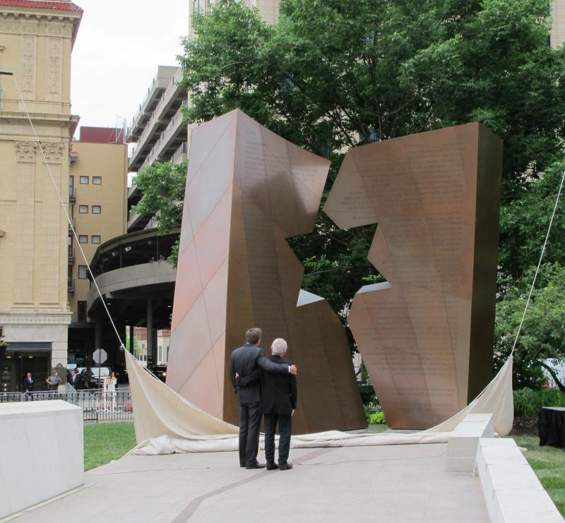 Governor John Kasich and designer Daniel Libeskind at memorial unveiling