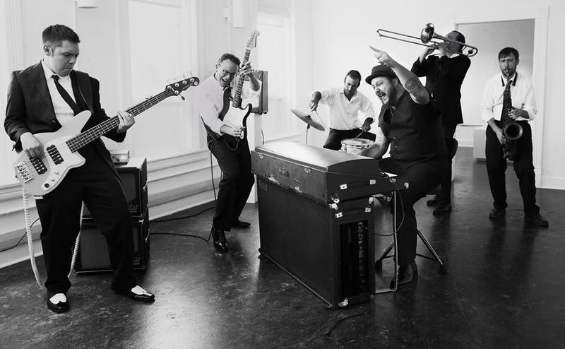 Josh Hoyer & The Shadowboxers