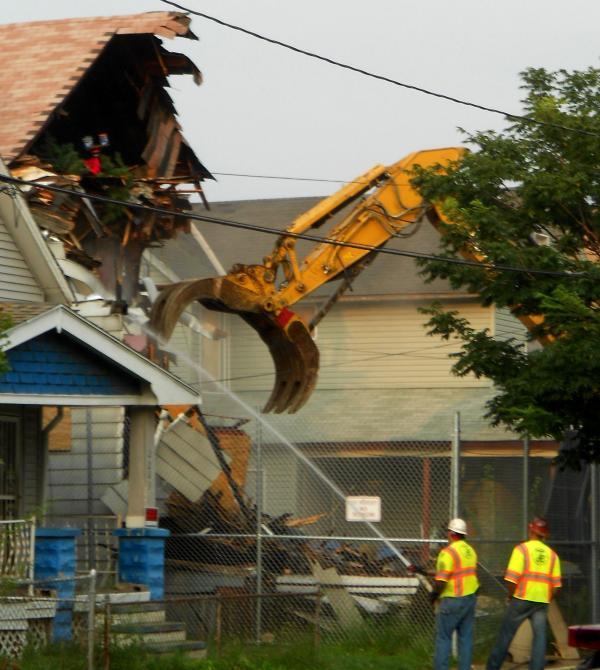 Ariel Castro's house on Seymour Avenue is demolished
