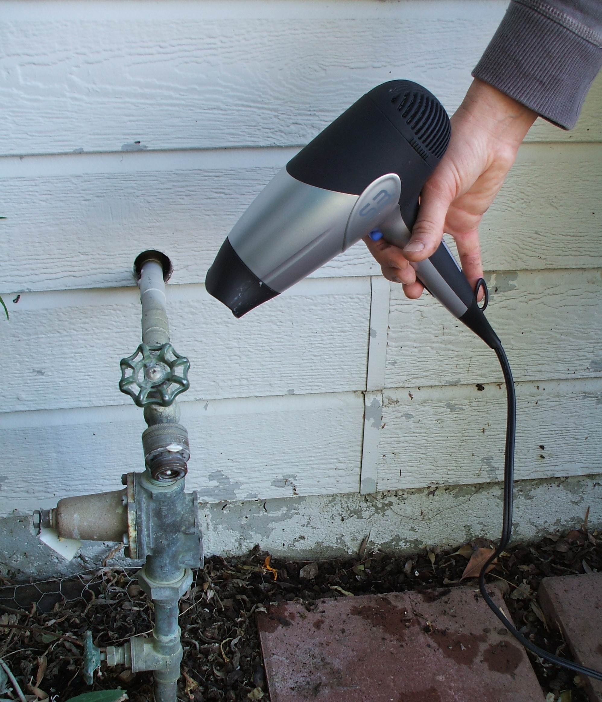 Il American Water gives tips on how to defrost frozen pipes   Peoria ...
