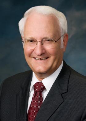 Retiring U of I President Bob Easter.