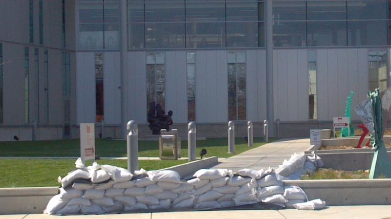 The Peoria Riverfront Museum prepares for the Illinois River crest