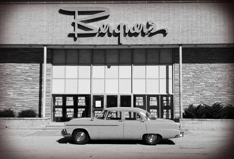 The Sheridan Village Bergner's has been open since 1957. The currnet flagship store is located at The Shoppes at Grand Prairie