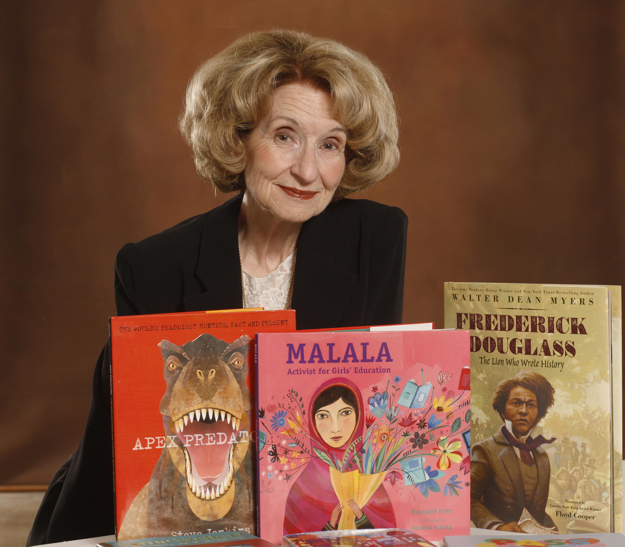 Childrens Bookshelf Host Dr Sue Ann Martin