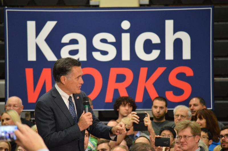 Romney stumps for Kasich