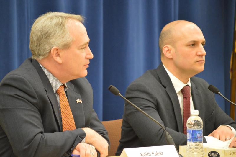 Senate President Keith Faber (R-Celina) and Sen. Joe Schiavoni (D-Boardman)