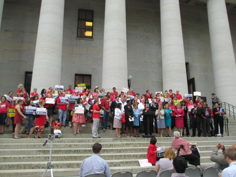 Abortion rights supporters at Ohio Statehouse in 2015