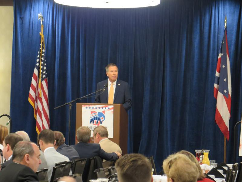 Gov. John Kasich speaks to members of the Ohio delegation at a breakfast session at the RNC.