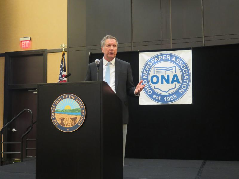 Gov. John Kasich speaks at the Ohio Newspaper Association.