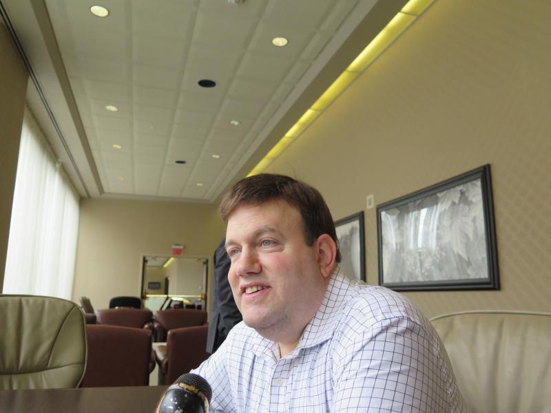 Frank Luntz, political pollster