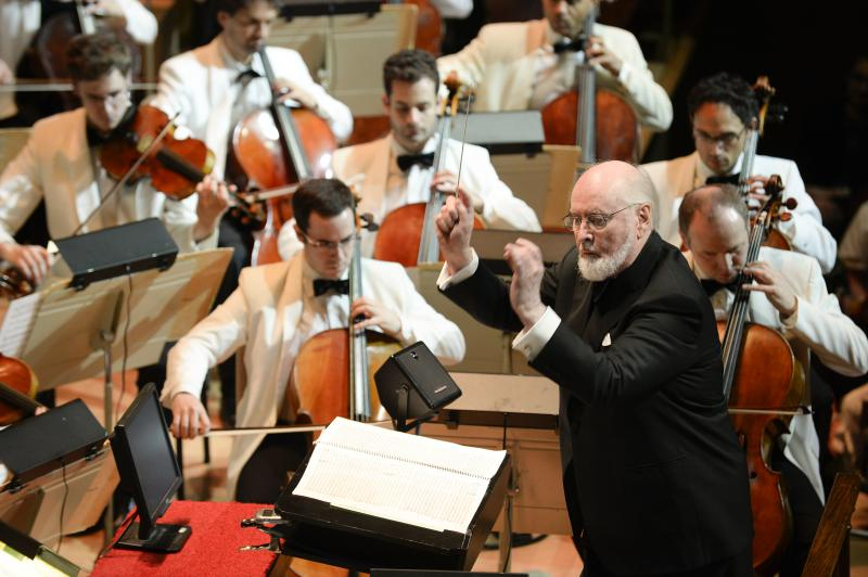 image of John Williams conducting the Boston Pops