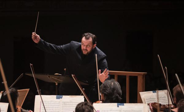 Andris Nelsons conducts the Boston Symhpony Orchestra