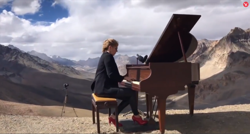 Pianist Evelina De Lain perfors her record-breaking concert in the Himalayas
