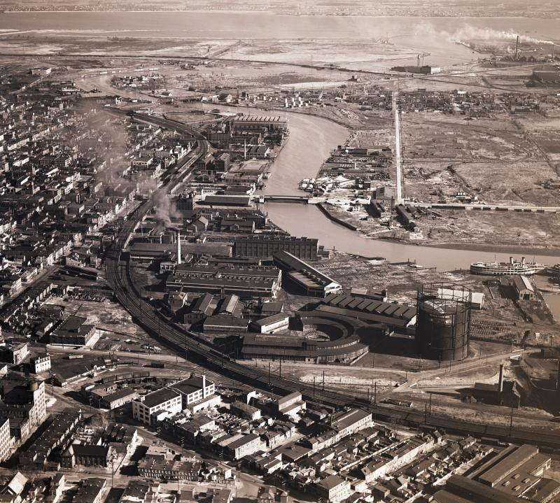 A 1931 photo showing the shipbuilding industries snaking along the Christiana River in Wilmington.
